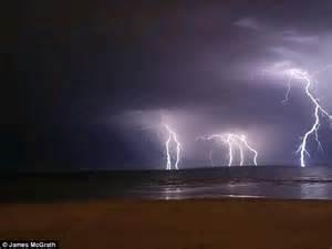 Lightning Strikes Car In Melbourne Australia Severe Thunderstorms And Large Hailstones Hit Melbourne