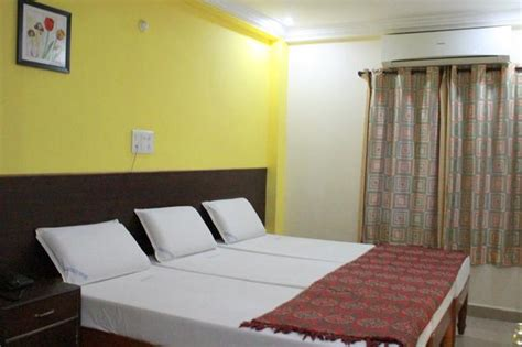 rooms availability in tirupati guest room