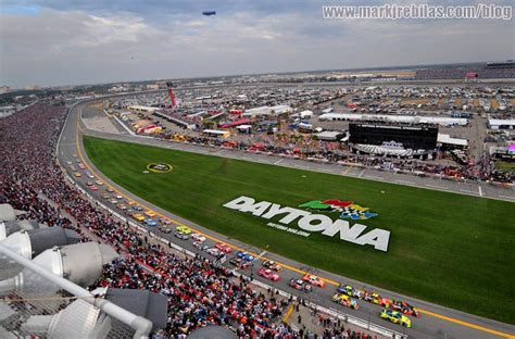 Attendance Daytona 500 by 2009 Daytona 500 As Exciting As A Prom Date With Your