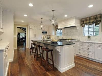 Kitchen Trend: Contrasting Island ? Kitchen Idea Gallery