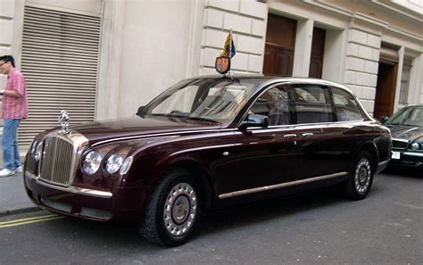 File 2002 Bentley State Limousine 2 Jpg Wikimedia Commons
