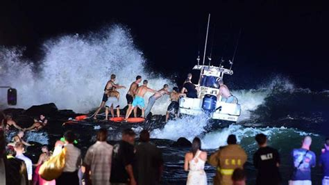 fishing boat accident nj 3 rescued after fishing boat runs aground at jersey shore
