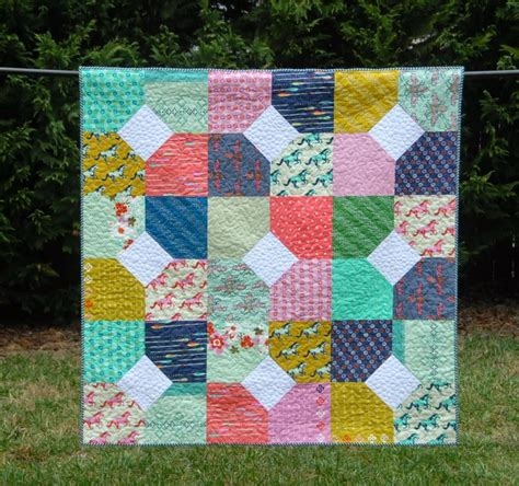 10 inch layer cake quilt patterns 15 free quilt patterns that use precuts simple simon