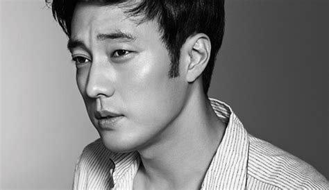 so ji sub eyes so ji sub is eye catching in the september 2014 issue of