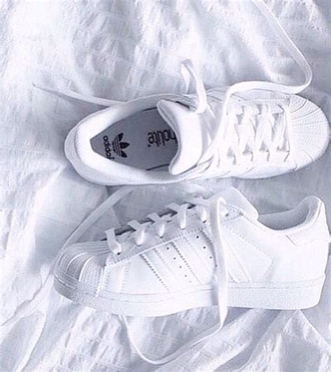 pin de lou romero en from my shoes adidas shoes y adidas superstar