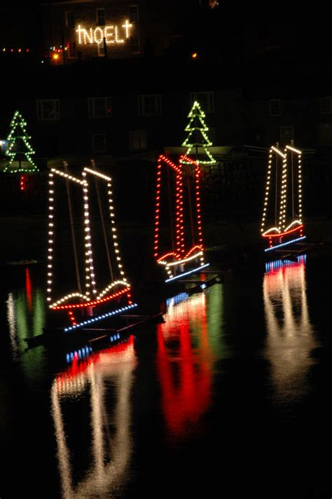 mousehole christmas lights cornwall guide