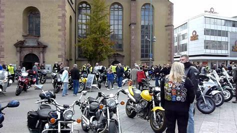 Motorrad Frankfurt Berlin by Motorrad Gedenkfahrt Zu Ehren Verstorbener Motorradfahrer