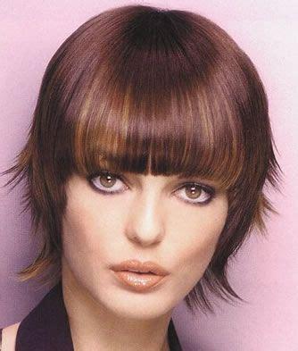 face framing short haircut short face framing hairstyle