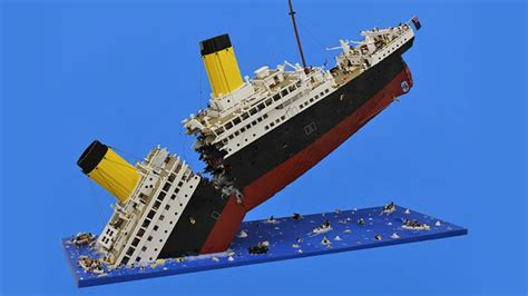Lego Titanic Sinking sinking lego titanic required 120 000 pieces to