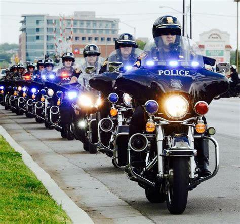 police motorcycle emergency lights harley davidson police lights iron blog
