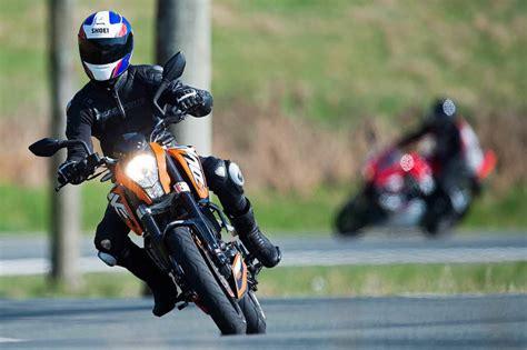 Motorrad Roller Zeitung by Motorradfahrer Soll Rollerfahrer In L 246 Rrach Gef 228 Hrlich