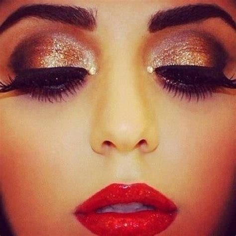 Smokey Gorgeous Skin Get The Glamourous Tools Of The Trade At Mac Fashiontribes by Eye Makeup Makeup Prom Makeup Makeup And