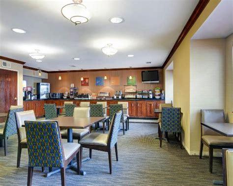 comfort inn suites airport dulles gateway 컴포트 인 앤드 스위트 에어포트 덜레스 게이트웨이 comfort inn suites airport