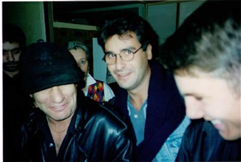 ac dc setlist acdc fans are fed up with seeing the band on their 1995 09 12 fra paris fun radio studio highway to