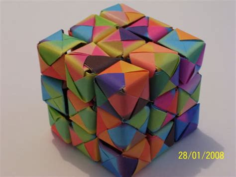 Make Origami Cube - 23 and creative origami artworks smashingapps