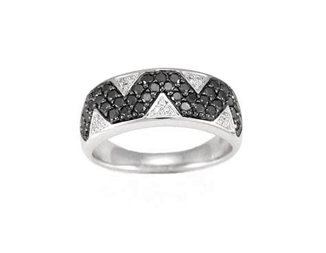 geomotrical paves set ring black and white diamonds