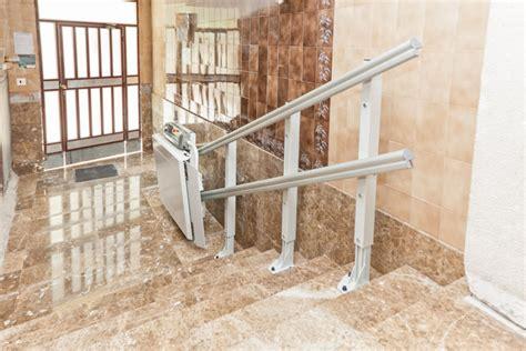 pedane per disabili prezzi montascale a pedana porta carrozzine per disabili