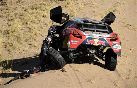peugeot dakar dakar rally 2016 peugeot s carlos sainz wins stage 9 in