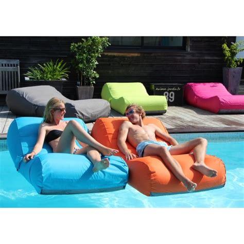 matelas gonflable pour piscine pas cher matelas de piscine flottant wave gonflable canap 233 pouf