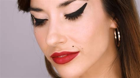 Eyeshadow Inez No 9 the ultimate winehouse makeup tutorial with guest artist valli o reilly