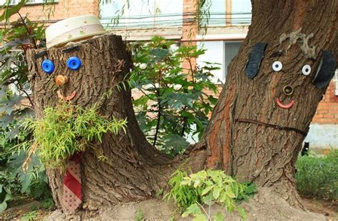Tree Yard Decorations by Stump Decorations 25 Ideas To Recycle Tree Stumps For