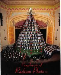 eyeonmuskegon tonight 9 00pm singing christmas tree on