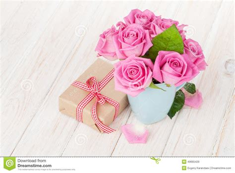 Skinnova Whitening Complete Day Pink valentines day pink roses bouquet and gift box stock photo image 49665429