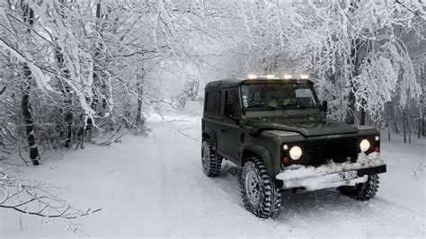 Best Vehicles for Snow Driving