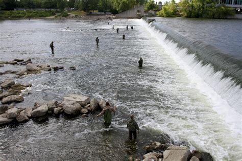 Fishing Grand River Lansing MI