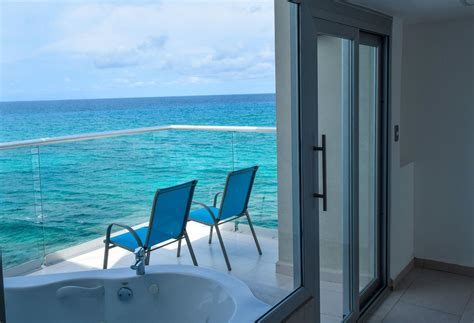 Isla Mujeres Hotels Accommodations