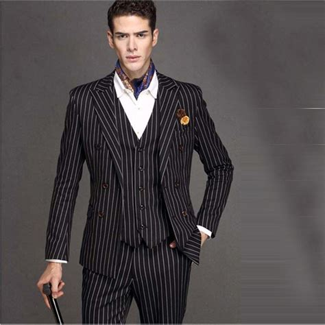 Men's Pinstripe Suit Peak Lapel