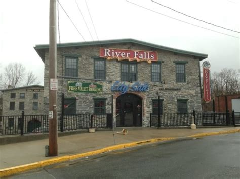 River Falls Restaurant Woonsocket RI