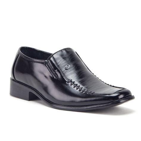 Square Toe Black Shoes