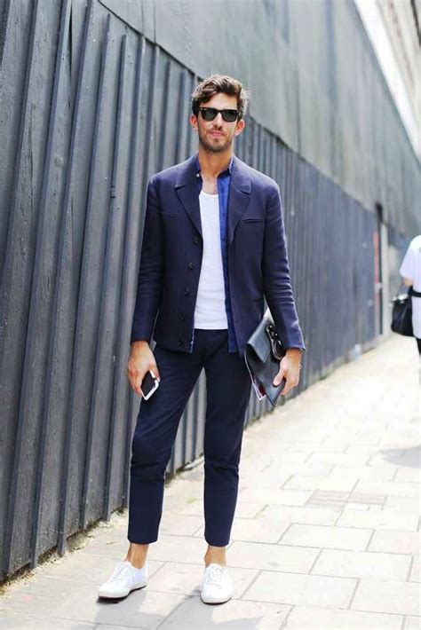 Suits Men's Fashion Trends