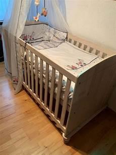 babybett mit matratze babybett mit matratze und viel zubeh 246 r kaufen auf ricardo