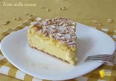 crema pasticcera ricetta della nonna torta della nonna con crema e pinoli