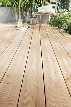 traitement bois terrasse les lame de terrasse douglas 100 bois naturel sans