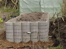 komposter selber bauen stein hochbeet f 252 r den garten traderboersenboard