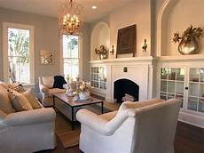fixer wohnzimmer my favorite house favorite living room from fixer the fireplace the built ins the