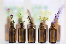 acquistare fiori di bach originali scegliere un olio essenziale in base alle propriet 224 guida