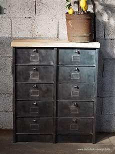 ancien grand meuble 10 casiers industriel strafor plateau