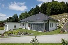 bungalow am hang mit keller bungalow mit 87 m 178 ausbauhaus ab 96 000 ohne keller