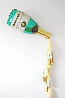 Botol Dot Dryink Shop new years chagne bottle tassel balloon new years