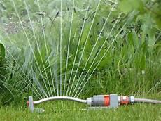 arrosage jardin automatique comment 233 conomiser l eau d arrosage au jardin