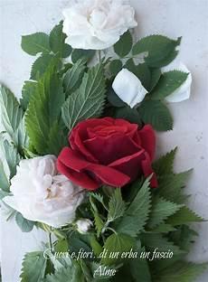fiori e immagini di cuori e fiori