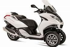 moto 3 roue pr 233 sentation du scooter 3 roues moto 3 roues peugeot