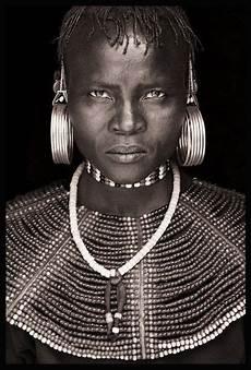 tableau visage noir et blanc visages du monde 39 visages du monde le