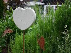Beton Ideen Für Den Garten - hier noch eine idee f 252 r eine sommerdeko aus beton f 252 r den