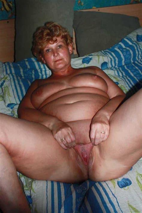Geile Etwas Dickere Frau Nackt