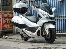 Modifikasi Motor Pcx by Gambar Modifikasi Honda Pcx Putih Sobotomotif